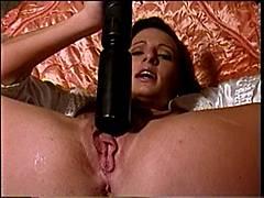 Big girl sucks dick