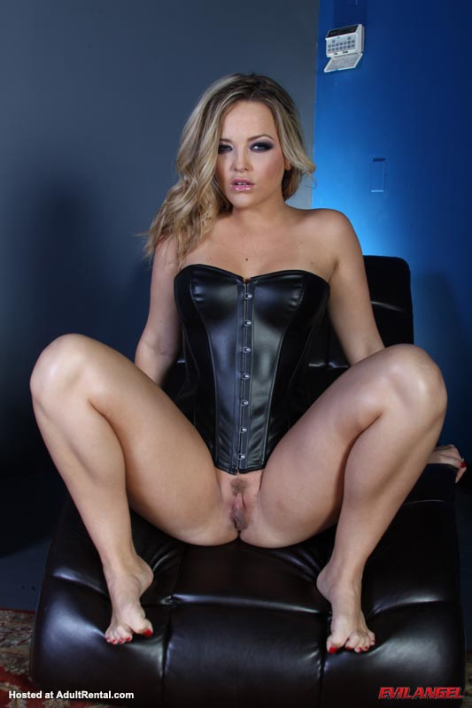 Mistress Alexis Dominates You With Her Famous Texas Fapvid 1